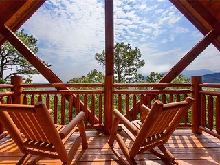 Central location! Smoky Mountain and wooded views.!