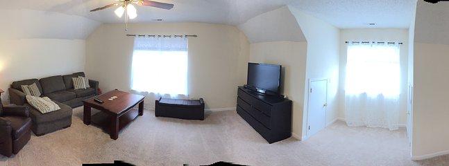 Privat Bonus rum på övervåningen med bäddsoffa, finns även Queen size lyx airbed