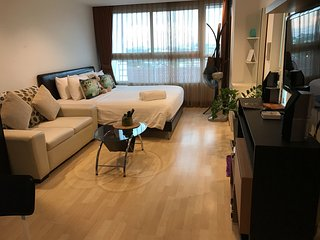1BR STUDIO near Shopping Malls & Night Market