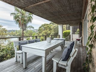 Waterfront Living with Clontarf Beach at your Door