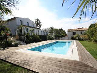 Amazing eight bedroom Villa with Sea View located in the heart of St Tropez.