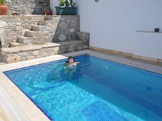 Ionia House, sensational property with private pool, sleeps 5