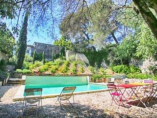 Villa in Historic Small Town Near Avignon - Villa Cardinal, Villeneuve-les-Avignon