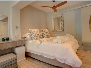 Luxury Room 4 - Pearl Moon Boutique Self Catering Suites, Wilderness