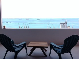 Sea View Chic Apt Historic Center - CARLA