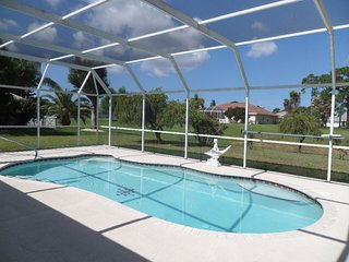 Beautiful waterfront pool home 3bed 2bath (basic rental), Rotonda West