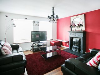 Snazzy City Center 2 Bed Apartment, Belfast