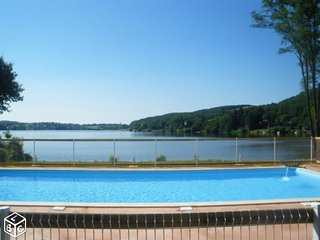 Location Mobil-home bord de lac, Villefranche-de-Panat
