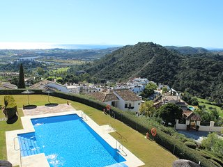 1584 - 2 bed penthouse with fantastic views, Las Terrazas, Los Arqueros