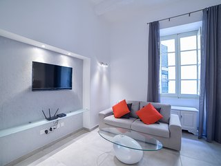 Luxurious two-bedroom apartment in Valletta (Ref: CA1)