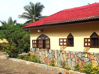 The Ayikoo Beach House, Elmina