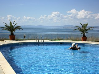 Private holiday Villa with Beautiful views short walk from the beach, Ravda