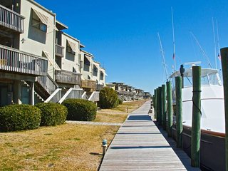 81/2 MARINA1, Atlantic Beach