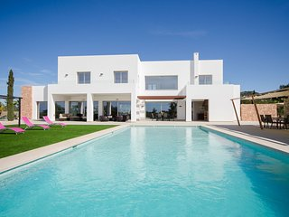 SPLENDOUR VILLA, Ibiza Town