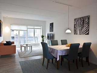 Lovely and bright Copenhagen apartment near Forum, Copenhague