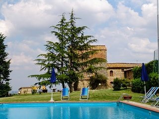 6 bedroom Villa in Libbiano, Tuscany, Italy : ref 5311078