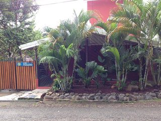 3bedrooms, 2baths,2kitchens, heart of Manuel Antonio, minutes from everything