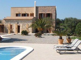 Finca-Urlaub auf Mallorca - mit grossem Pool und schonem Blick