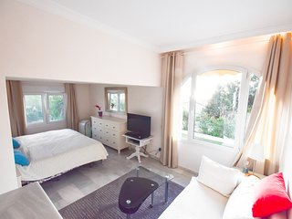 Studio directly at the beach with beautiful see views
