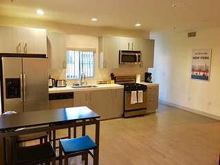 2 bed 2 bath in heart of LA-Culver City