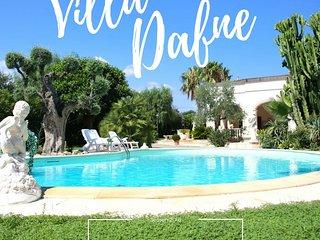 Villa Dafne con Piscina a 2 km dal mare, Savelletri
