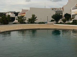 CONDOMINIUM centre ville,vue fantastique sur la mer,la plage et la vieille ville
