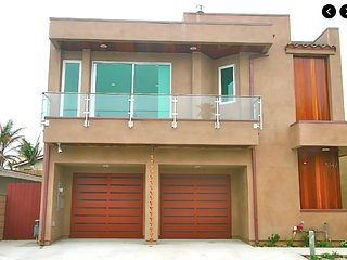 Ultramodern Beach house, big game room, fully equipped, ocean view., Oxnard