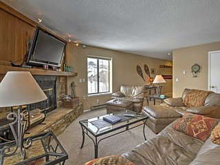 Central Silverthorne Condo - Minutes from Skiing!
