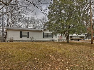 NEW! Peaceful 3BR Cadiz House on Lake Barkley!
