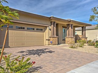 NEW! Gorgeous 4BR Litchfield House w/Mtn Views!, Litchfield Park