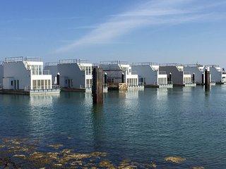 Schwimmendes Ferienhaus/ Hausboot ANTARES ONE im Ostseeresort Olpenitz/ Kappeln