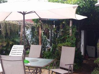 Casa na Martim de Sá a menos de 1km da praia com piscina, Caraguatatuba