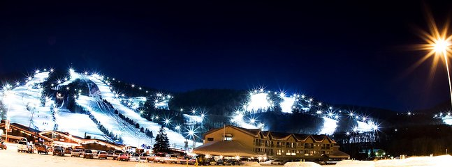 The Condos & Hotel Stoneham is located directly right down the slopes of Stoneham ski resort