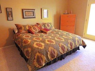 Sam's Mansion -Cleopatra's Room $79, Bentonville
