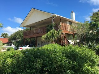 2 bedroom garden apt 1/2 block from ocean, Saint Augustine