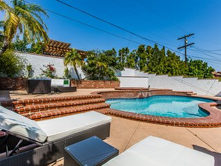 Modern Home w/Heated Pool & Spa Near Westwood