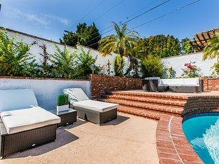 Modern Home w/Heated Pool & Spa Near Westwood