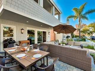 20% OFF APRIL- Beautiful Family House - Large Patio, Delightful Amenities, Corona del Mar