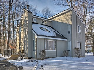 NEW! Stylish 3BR House Near Pocono Mountains!, Tobyhanna