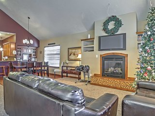 Remodeled Great Falls Home - Walk to Shops & Cafes