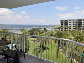 Waterfront condo Heron 505, Amazing views, 3BD/2.5BA, All Tile, 700' Lazy River!, Fort Walton Beach