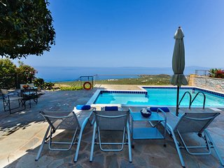 Luxury Villa Ismini in Stoupa, Private Pool, BBQ and amazing, panoramic sea view