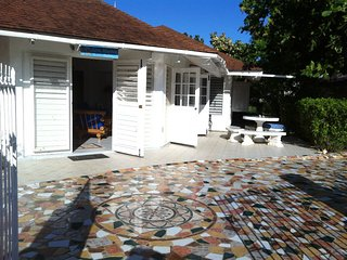 Tropical SeaSide Villa....Welcomes you to Jamaica !, Duncans