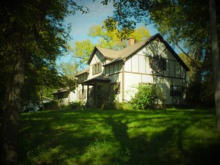 Beautiful 4BR Home on 5 Secluded Acres!, Bennington