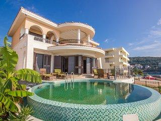 Amazing Ocean Front Villa