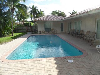Tropical Paradise Heated Swimming pool, beaches,shopping, fishing,kids ,pets ok, Fort Lauderdale