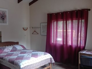 Hostal Serena - Double Room with Private Bathroom