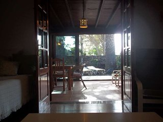 2 bedroom Villa with Pool and WiFi - 5691572