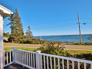 Classic summer home on coveted Marshall Point - walk to the lighthouse, village and beach, Port Clyde