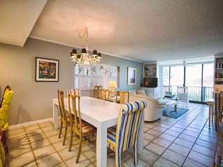 The Islander 1A  Breathtaking Oceanfront Views with Incredible Amenities!